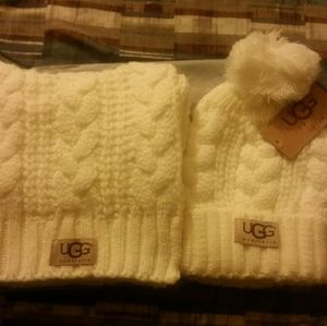 BRAND NEW WHITE UGG HAT AND SCARF